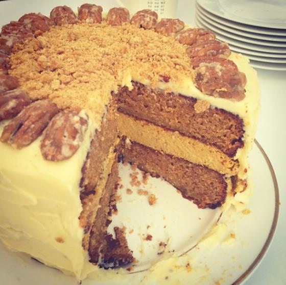 Pumpkin cheesecake graham cracker cake