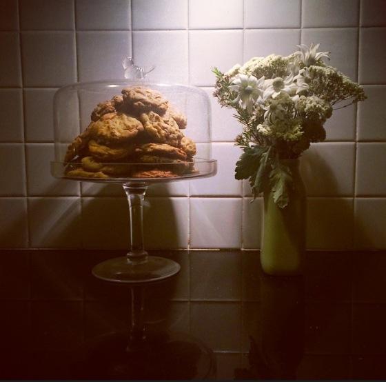 Malt + caramel cookies