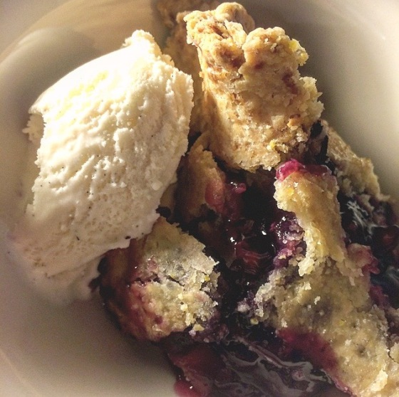 Blue and blackberry pie